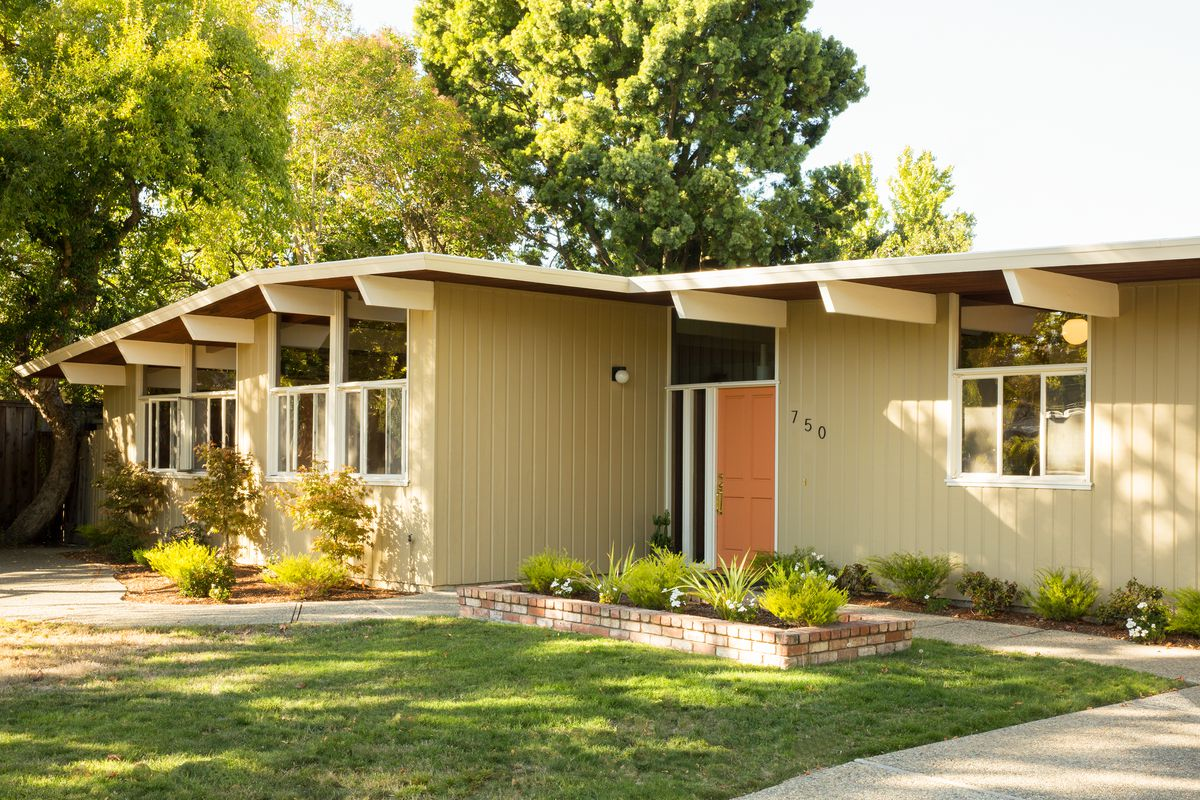 love midcentury homes