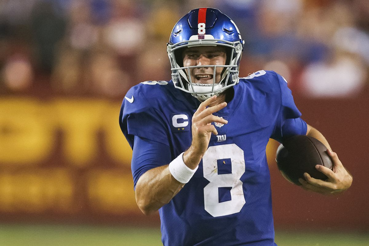 Daniel Jones of the New York Giants rushes for a long gain during the second quarter against the Washington Football Team at FedExField on September 16, 2021 in Landover, Maryland.