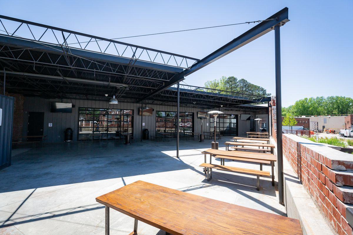 Dr. Scofflaw's Laboratory and Beer Garden outdoor patio