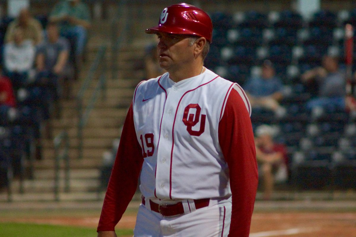 OU baseball coach Hughes resigns post
