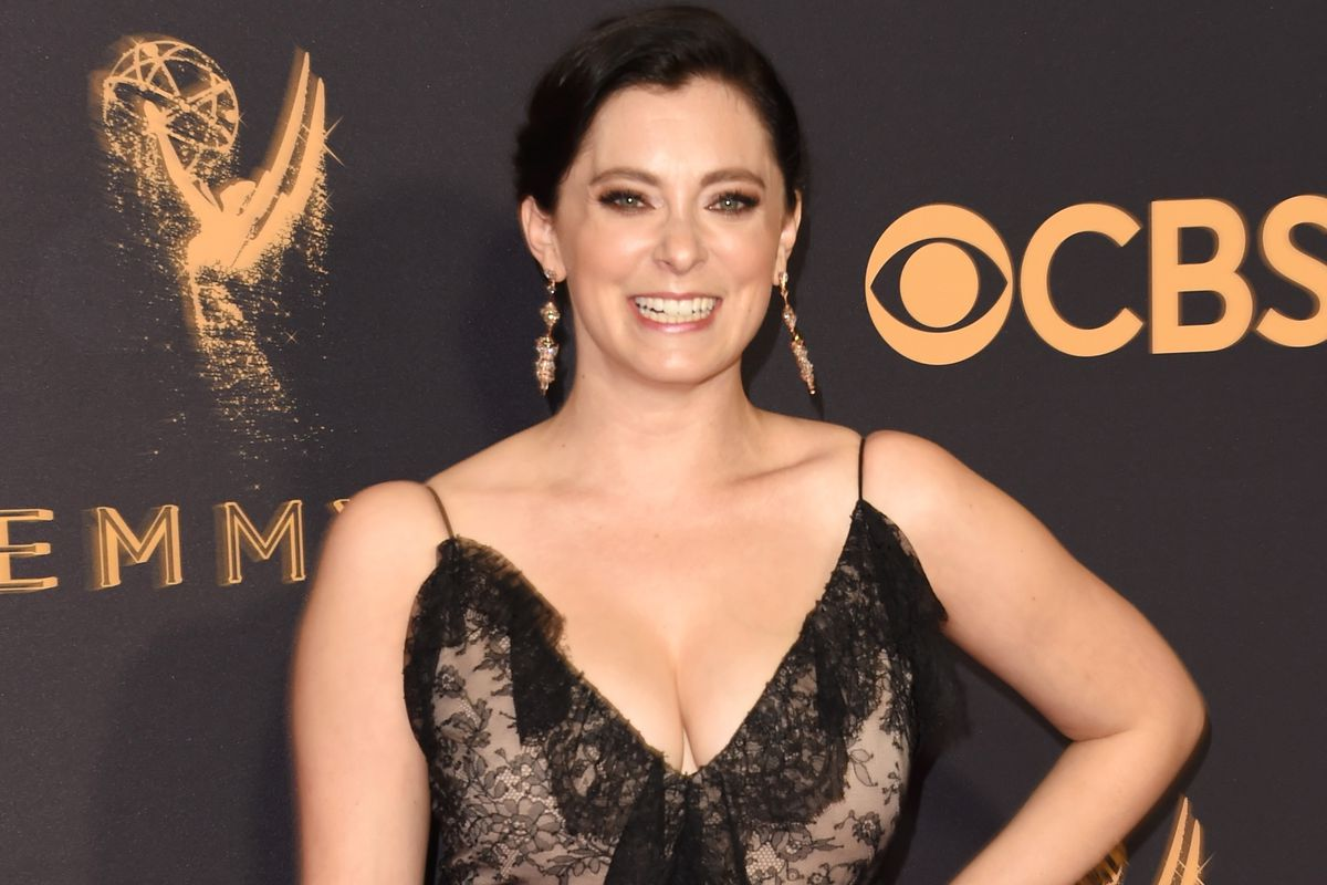 Rachel Bloom on the 2017 Emmys red carpet.