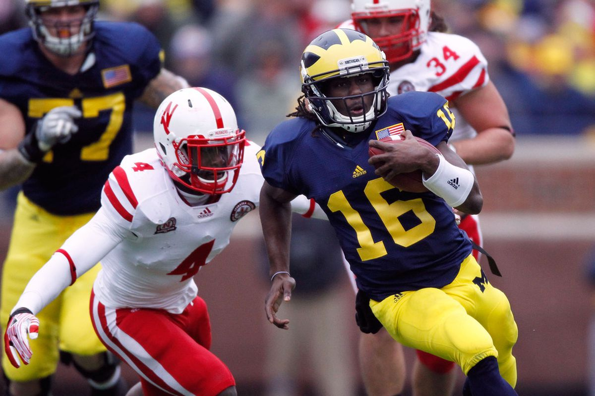 Quarterback Denard Robinson will try to lead Michigan to its first win over Ohio State since 2003.
