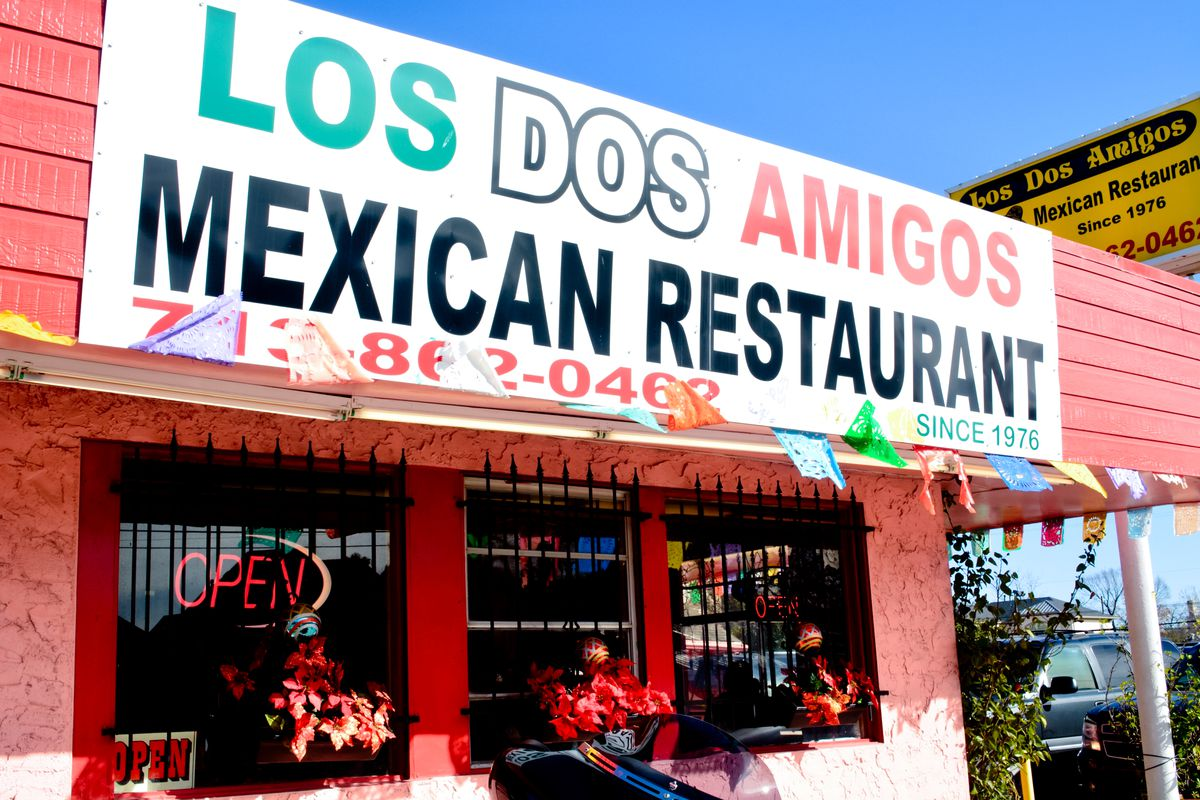 Longtime Los Dos Amigos Mexican Restaurant will shutter next month.