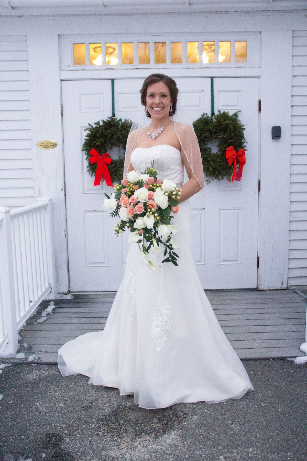 Jenna Corey In Her Hussey's Wedding Gown Photo Hillary Rae Photography €�: Wedding Dress Booze Funny At Websimilar.org