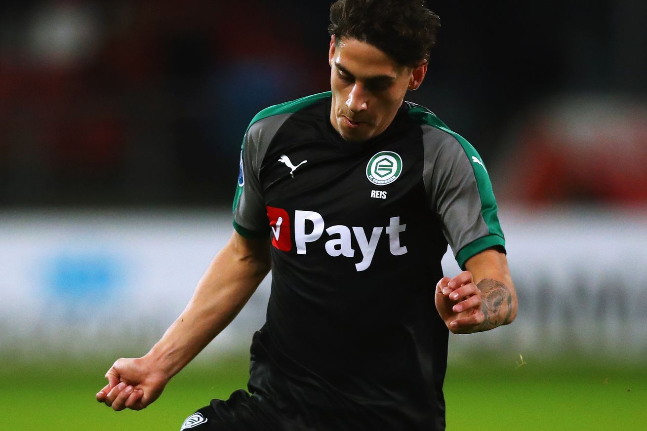 Ludovit Reis keen to learn from Busquets at Barca