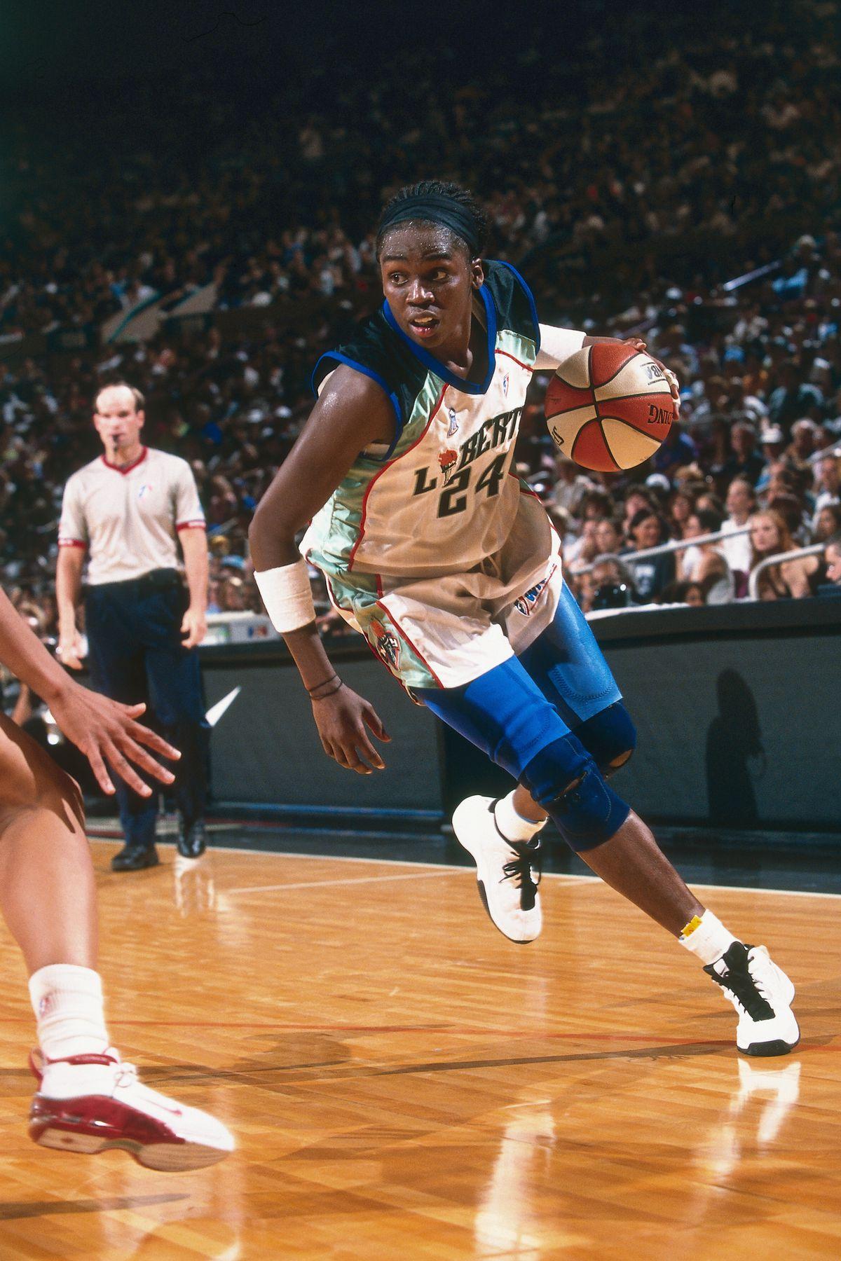 2000 WNBA Finals - Game One: Houston Comets v New York Liberty