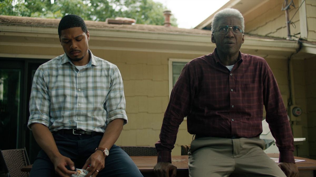 True Detective season 3 episode 6 Henry and Wayne smoking