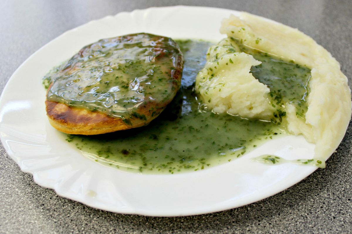 regional_british_food_london_pie_mash.0.