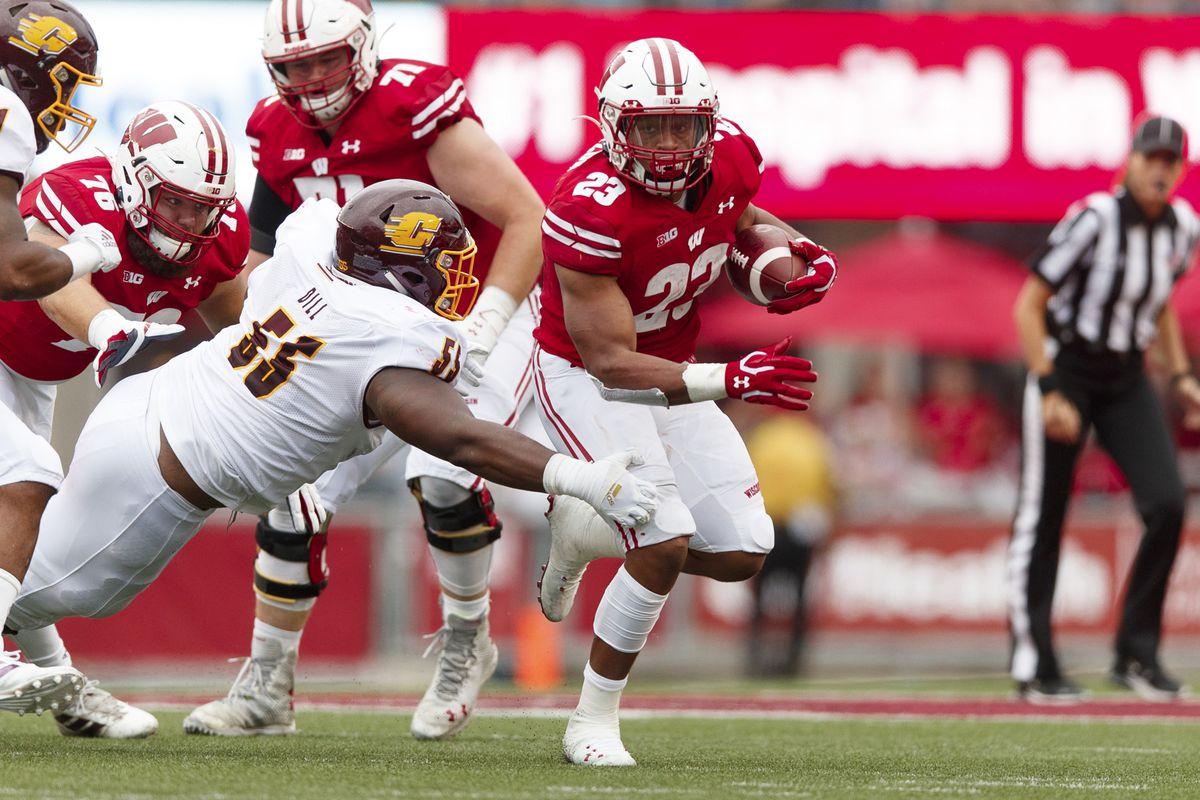 NCAA Football: Central Michigan at Wisconsin