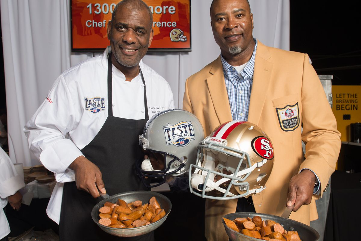 Chef David Lawrence and NFL Hall of Famer (and former 49ers defensive end) Chris Doleman at the 2015 Taste of the NFL.
