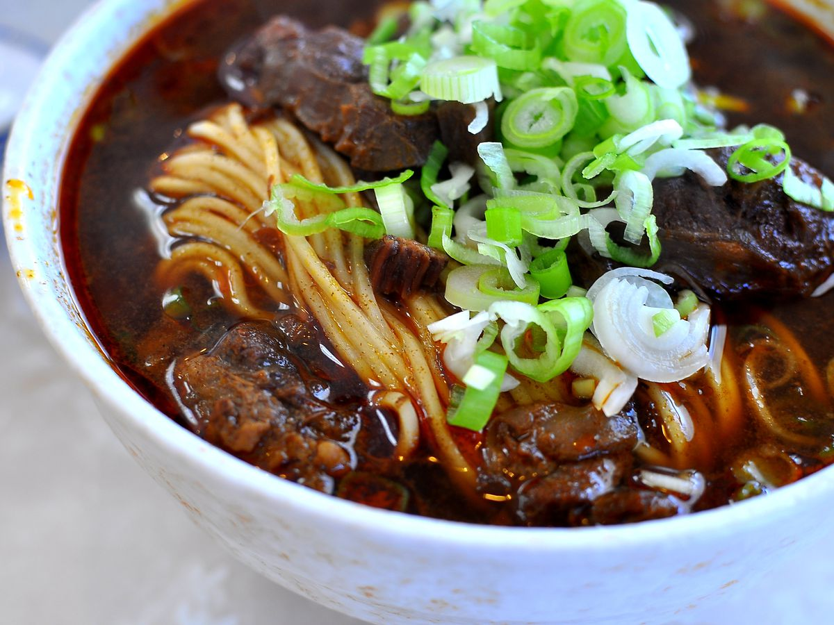 A bowl of beef noodle soup from Dai Ho Restaurant.