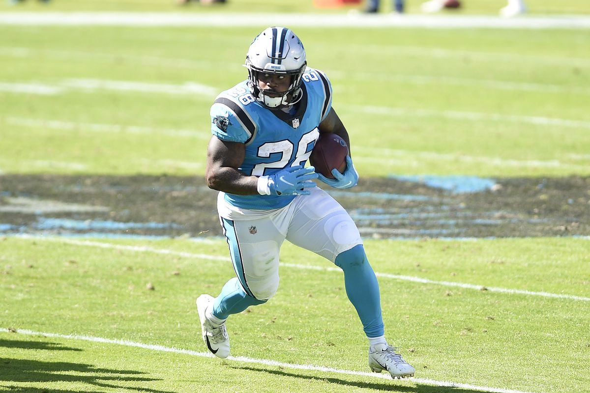 Carolina Panthers running back Mike Davis (28) with the ball in the second quarter at Bank of America Stadium.
