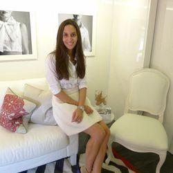 InStyle Magazine's Dana Avidan Cohn is on the tour bus to meet shoppers.