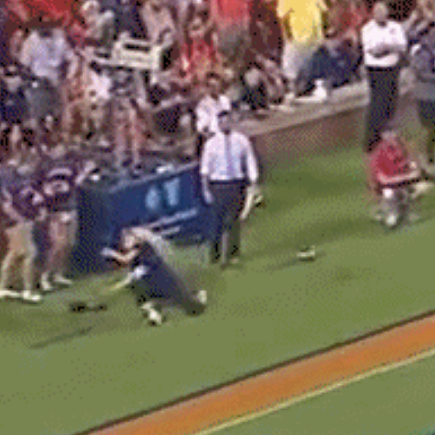 Woman Tries To Catch Auburn Kickoff And Gets Hit Right In The Face And She S Ok Sbnation Com