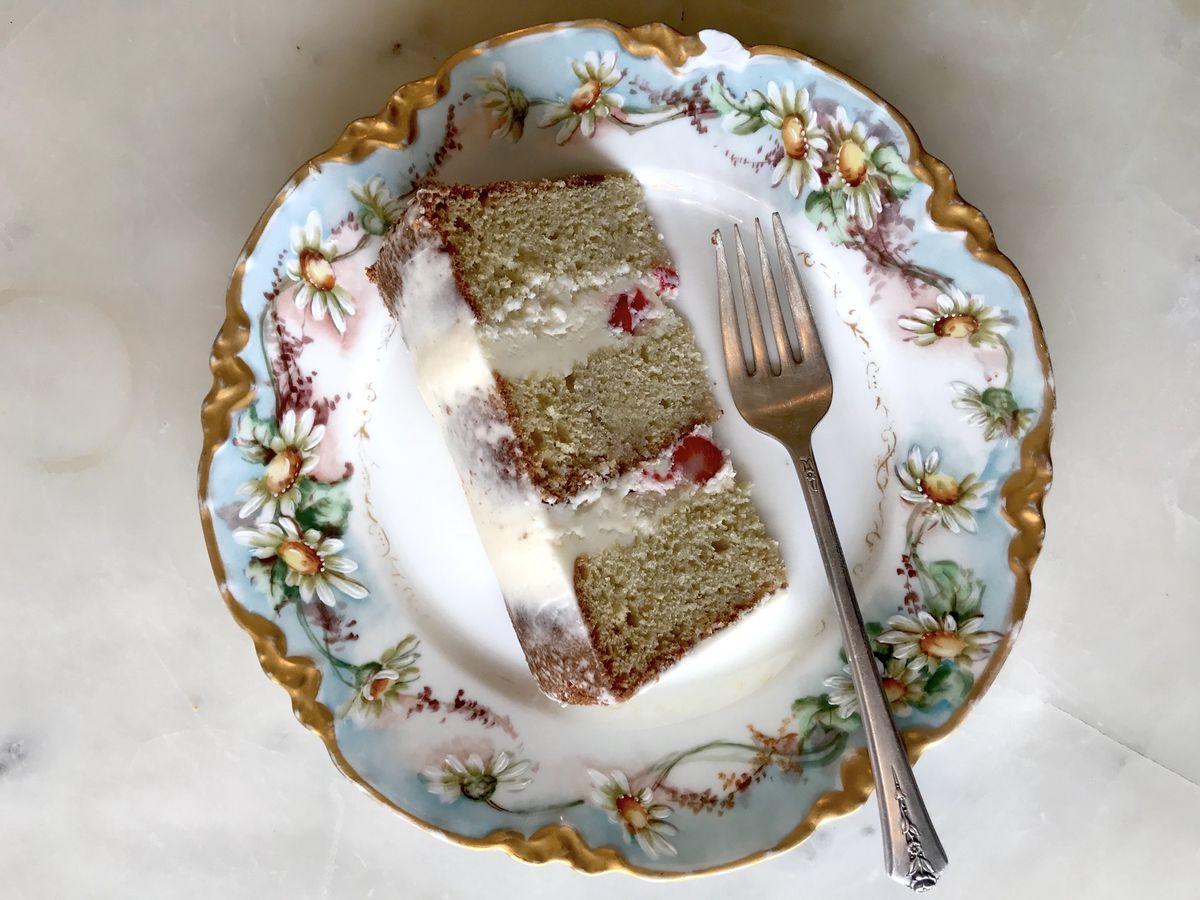 Luckybird Bakerys Lemon Strawberry Rose Cake Galarza Eater