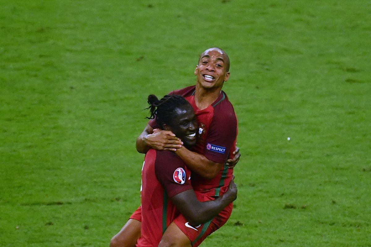 """""""Big hugger, huh? Get 'em!"""""""