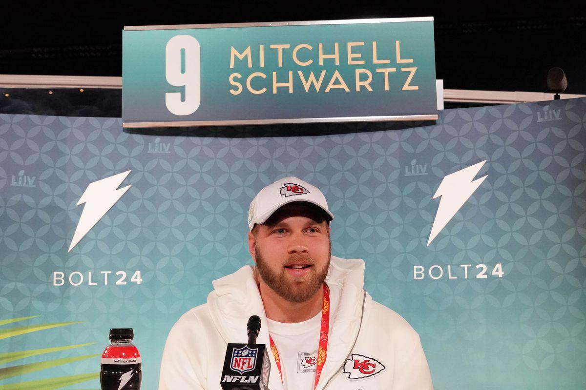 Mitchell Schwartz is a Super Bowl champion!