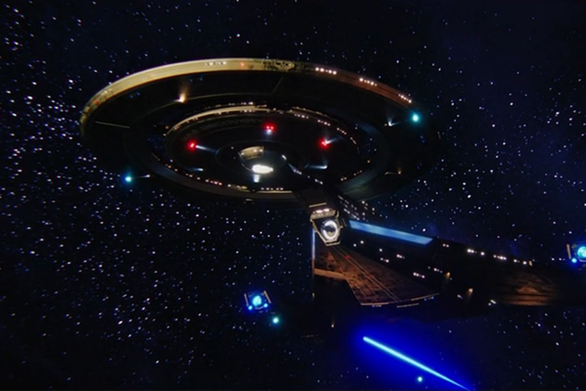 star trek discovery s first half season succeeded by breaking the