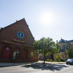 Ling Shen Ching Tze Temple in Bridgeport.   Tyler LaRiviere/Sun-Times