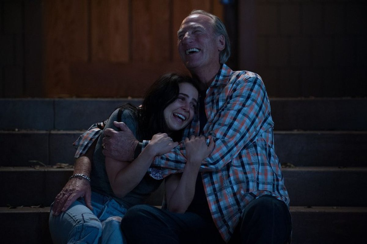 """Amber (Mae Whitman) and Zeek (Craig T. Nelson) are at two polar ends of Parenthood's """"life and death"""" final season structure."""