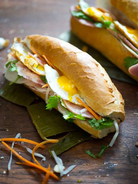 Banh mi sandwich with egg and vegetables