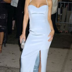 This is without a doubt the most conservative outfit Carmen Electra's ever worn.
