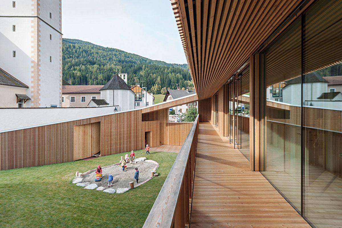 italian kindergarten with a big courtyard