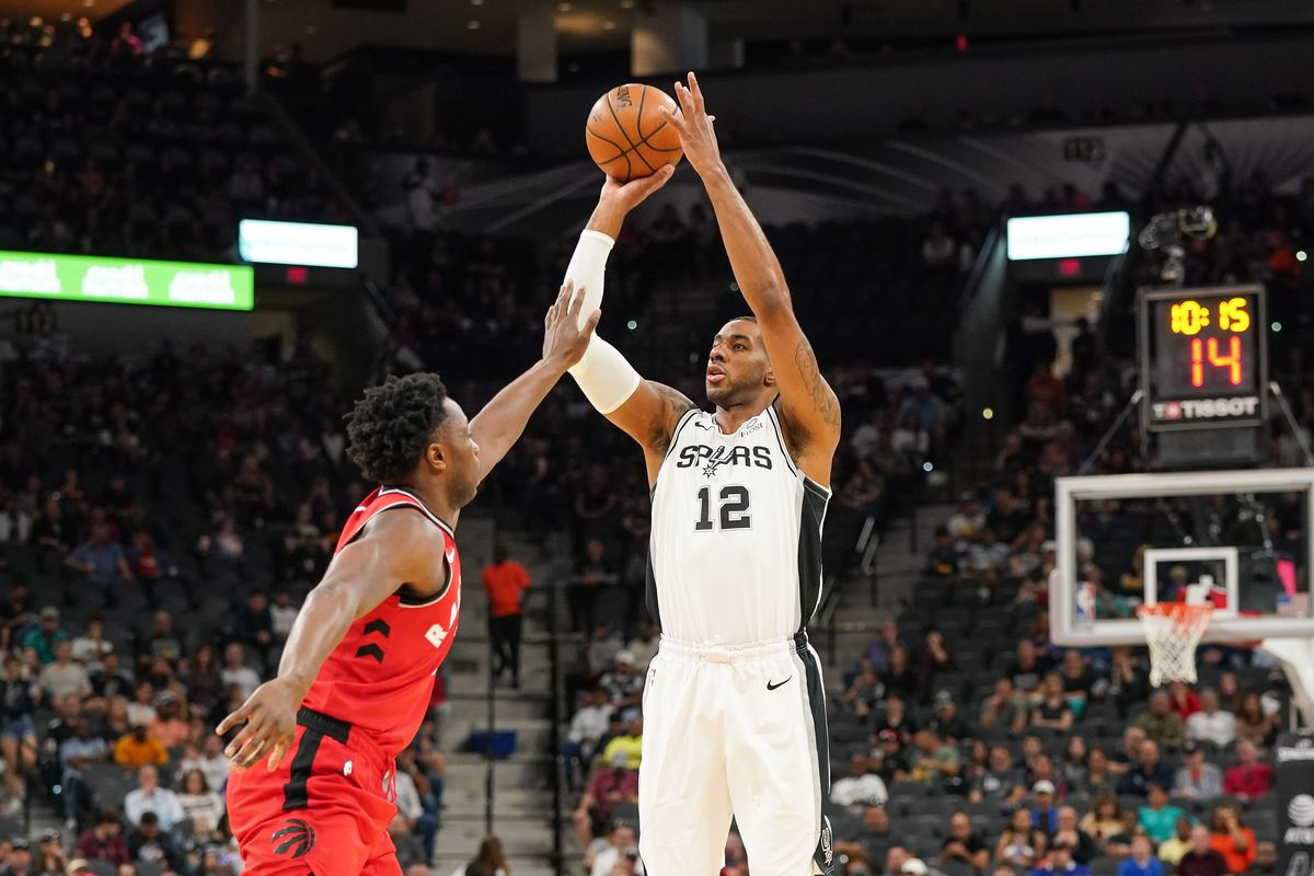 San Antonio Spurs forward LaMarcus Aldridge shoots a three point shot during the first half against the Toronto Raptors at the AT&T Center.