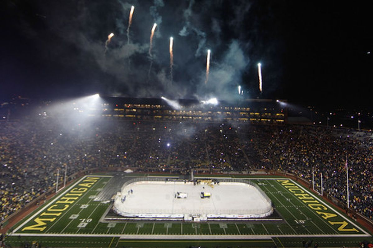 Do a search for a picture of the Michigan hockey team, get a picture the Big House.