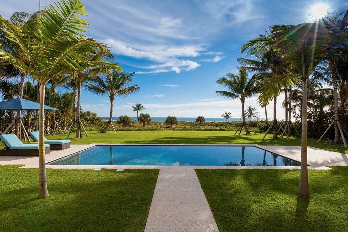 Oceanfront Mansion In Palm Beach Sells For 44m Curbed Miami