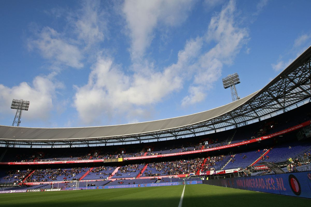 Saints put in a convincing display in front of a sold-out De Kuip
