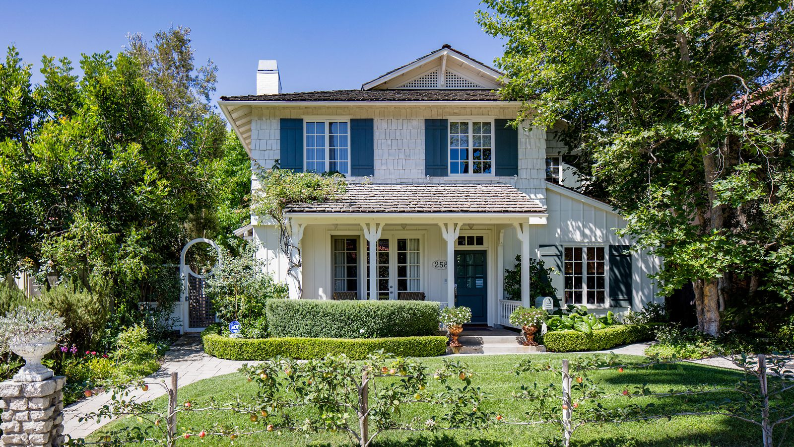 Santa monica home with heavenly backyard asks for House sitting santa monica