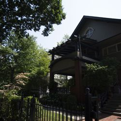 A house on Hawthorne Place in Boystown.   Colin Boyle/Sun-Times