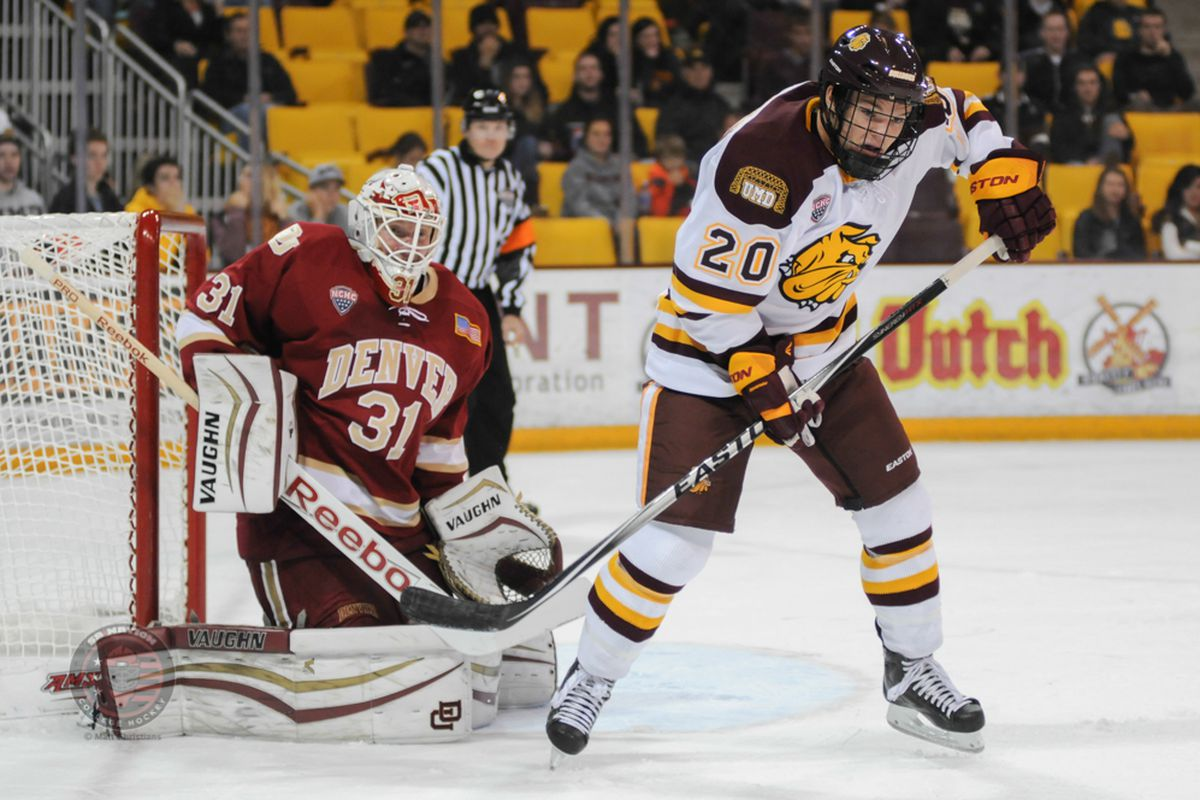Karson Kuhlman's(20) second period goal opened the floodgates for UMD