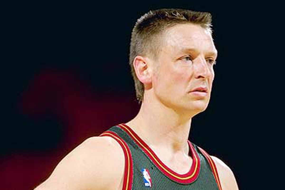 Should the Seattle SuperSonics Retire Detlef Schrempf s Jersey
