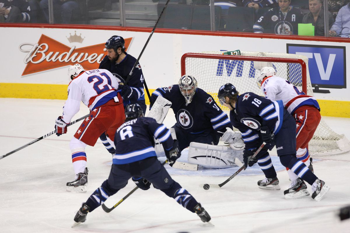The Caps and Jets will meet tonight in a huge Southeast Divison battle.