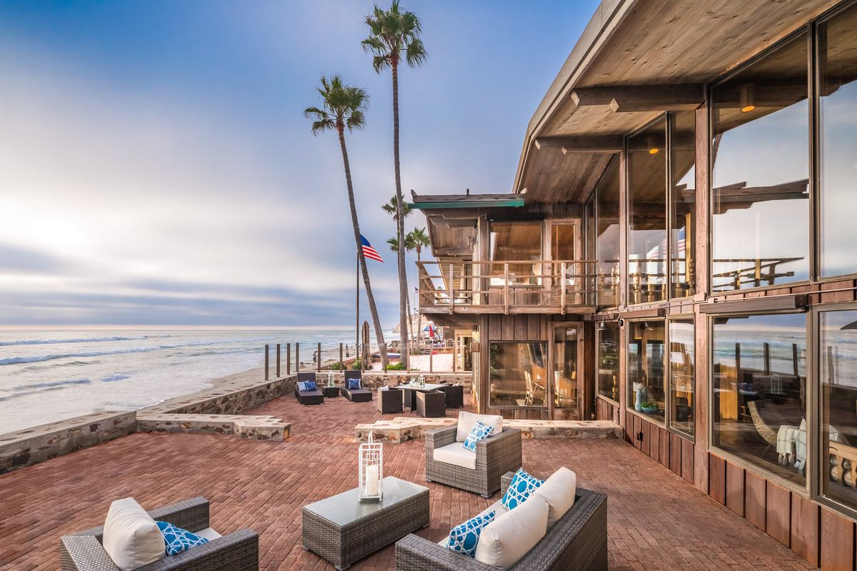 The Home Boasts 60 Feet Of Ocean Frontage Photos Courtesy Pacific Sotheby S International Realty