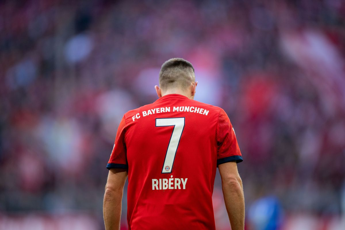 23 February 2019, Bavaria, München: Soccer: Bundesliga, Bayern Munich - Hertha BSC, 23rd matchday in the Allianz Arena. Franck Ribery from FC Bayern Munich crosses the court. Photo: Lino Mirgeler/dpa - IMPORTANT NOTE: In accordance with the requirements of the DFL Deutsche Fußball Liga or the DFB Deutscher Fußball-Bund, it is prohibited to use or have used photographs taken in the stadium and/or the match in the form of sequence images and/or video-like photo sequences.
