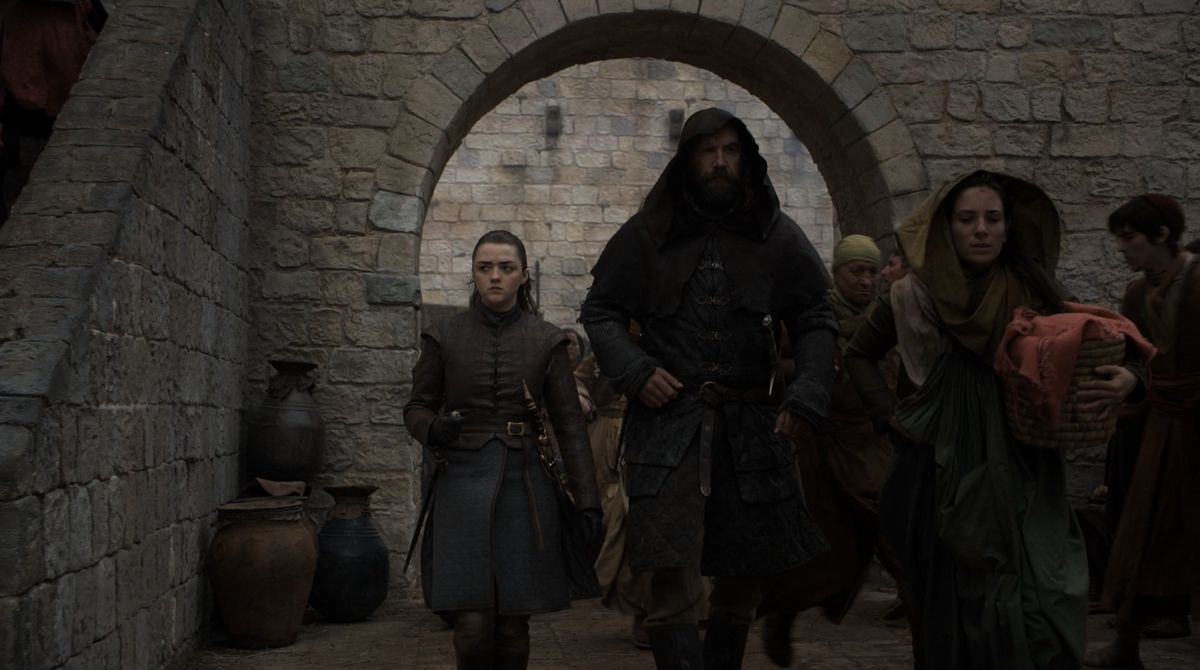 Game of Thrones S08E05 Arya and a cloaked Hound