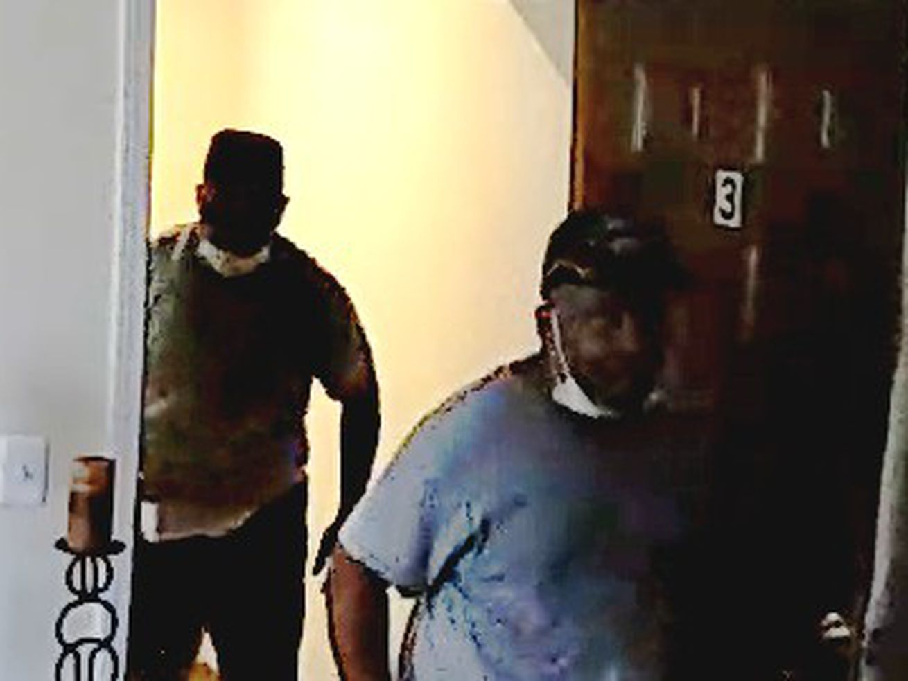 Suspects sought in Kenwood, Bronzeville apartment burglaries