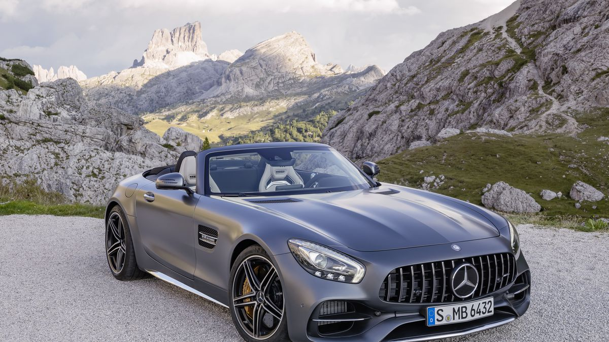 The New Mercedes Amg Gt Roadster Is 469 Horse Of Open Top Ferocity