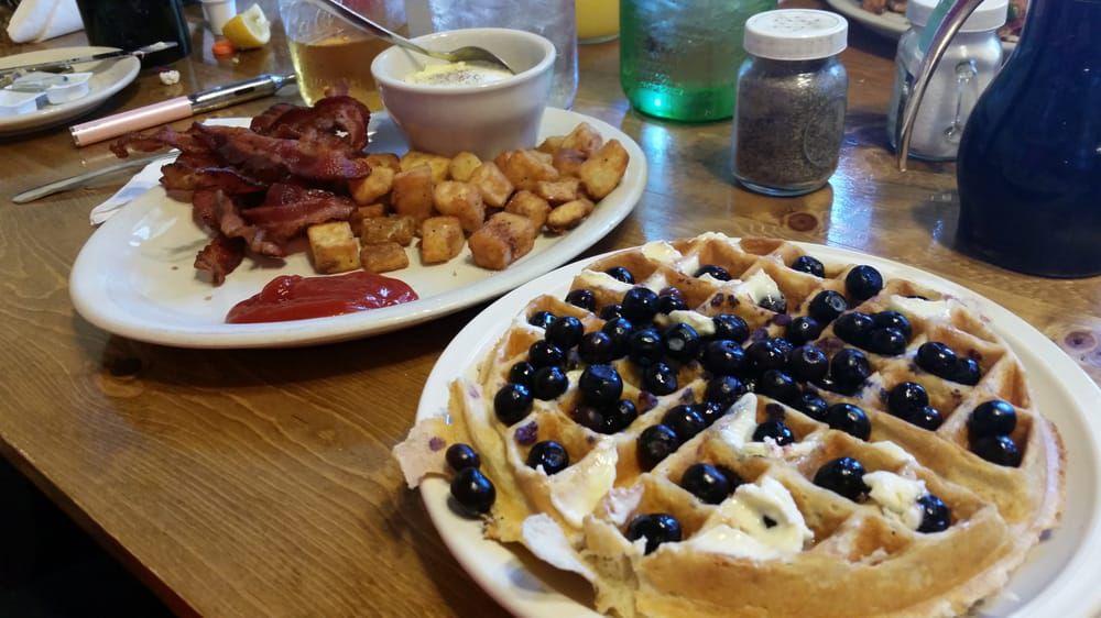 Breakfast at Maxine's
