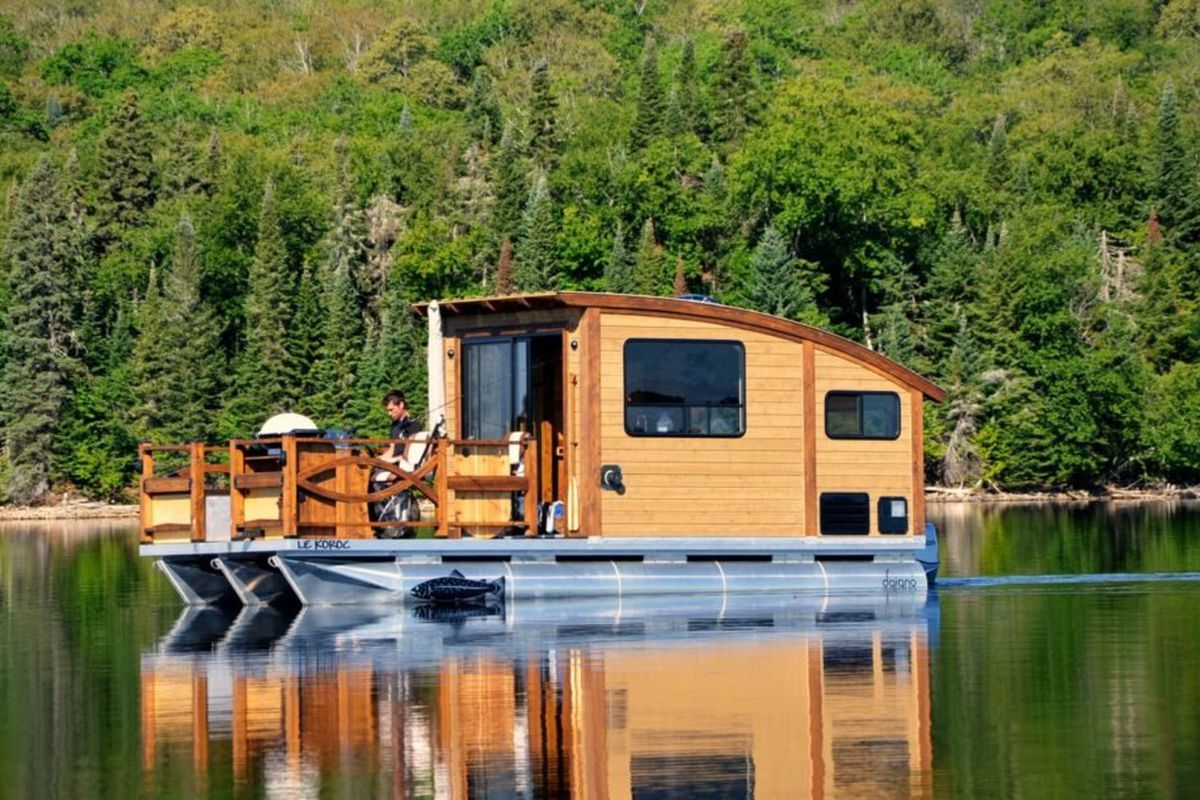 Solar-powered houseboat from Daigno starts at $60K - Curbed