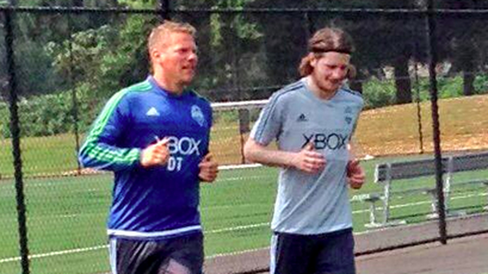 Erik Friberg is now training with Sounders, and he's still rocking all-white boots
