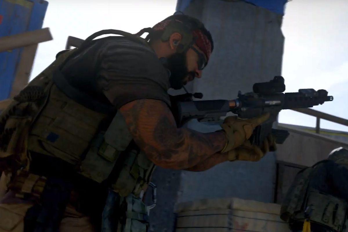 A player reloads their gun in Call of Duty: Modern Warfare 2019