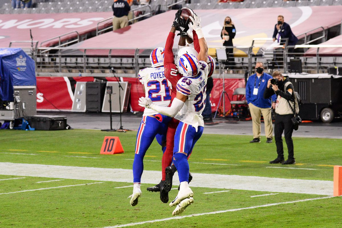 Arizona Cardinals wide receiver DeAndre Hopkins catches a Hail Mary touchdown pass against the Buffalo Bills during the second half at State Farm Stadium.