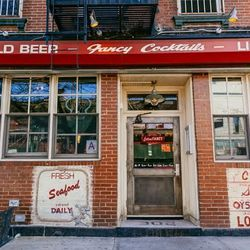 """<b>↑</b> The concept behind the casual-yet-elevated spot <a href=""""http://www.extrafancybklyn.com/""""><b>Extra Fancy</b></a> (302 Metropolitan Avenue) is <b>""""boardwalk food, but updated,""""</b> according to co-owner Mark Rancourt. That concept has proven hugel"""