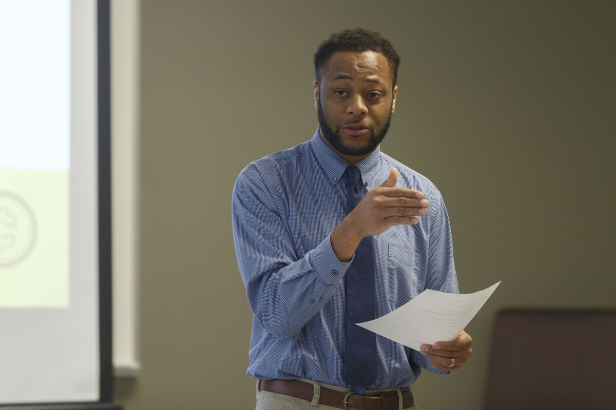 Central Michigan University Academic Advisor, Marceil Davis, talks to students during the first year experience class he teaches.