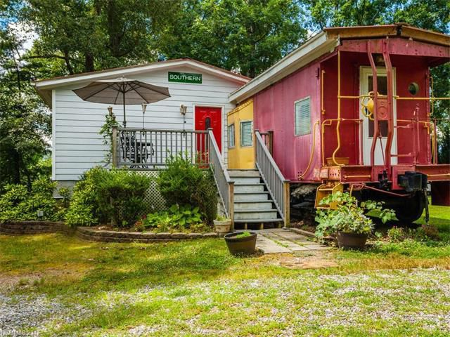 Cool Tiny Homes For Sale 3 Petite Properties Across The U S Download Free Architecture Designs Remcamadebymaigaardcom