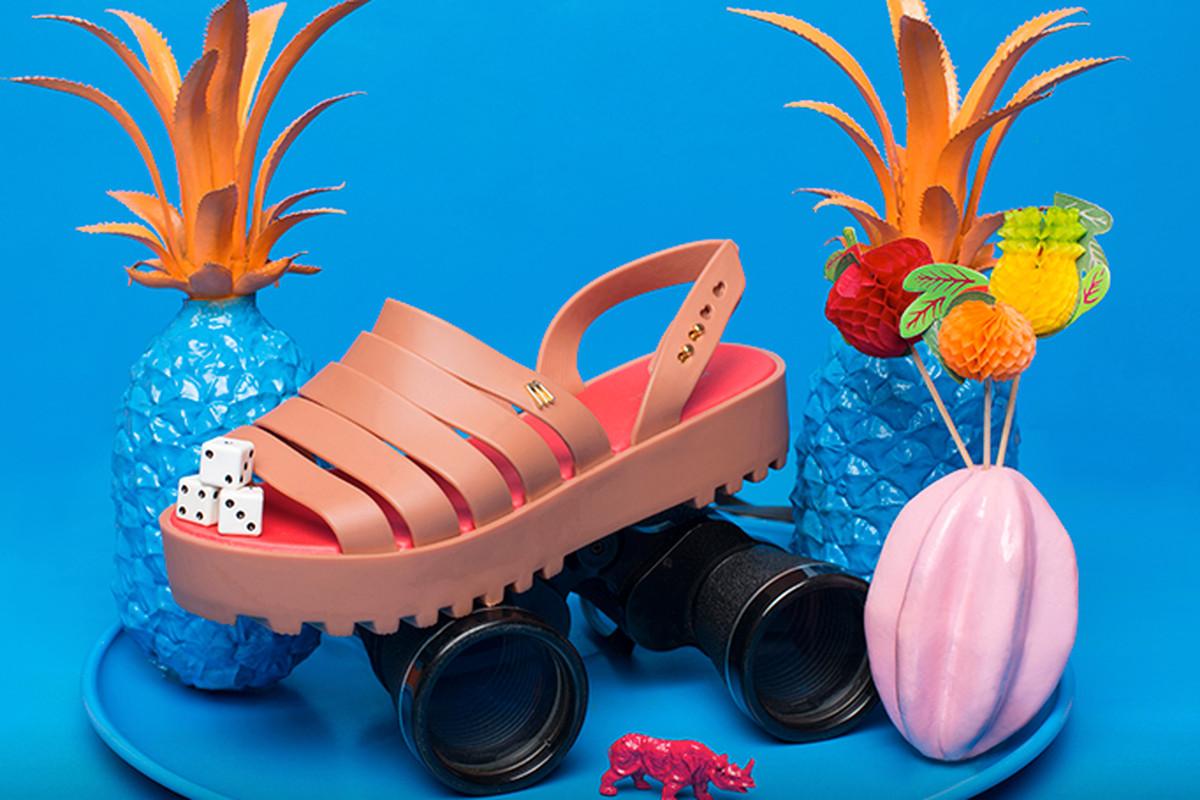 "Facebook/<a href=""https://www.facebook.com/OfficialMelissa?fref=photo"">Melissa Shoes</a>"